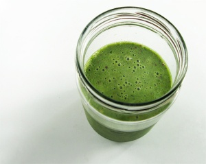 green-smoothie-glass